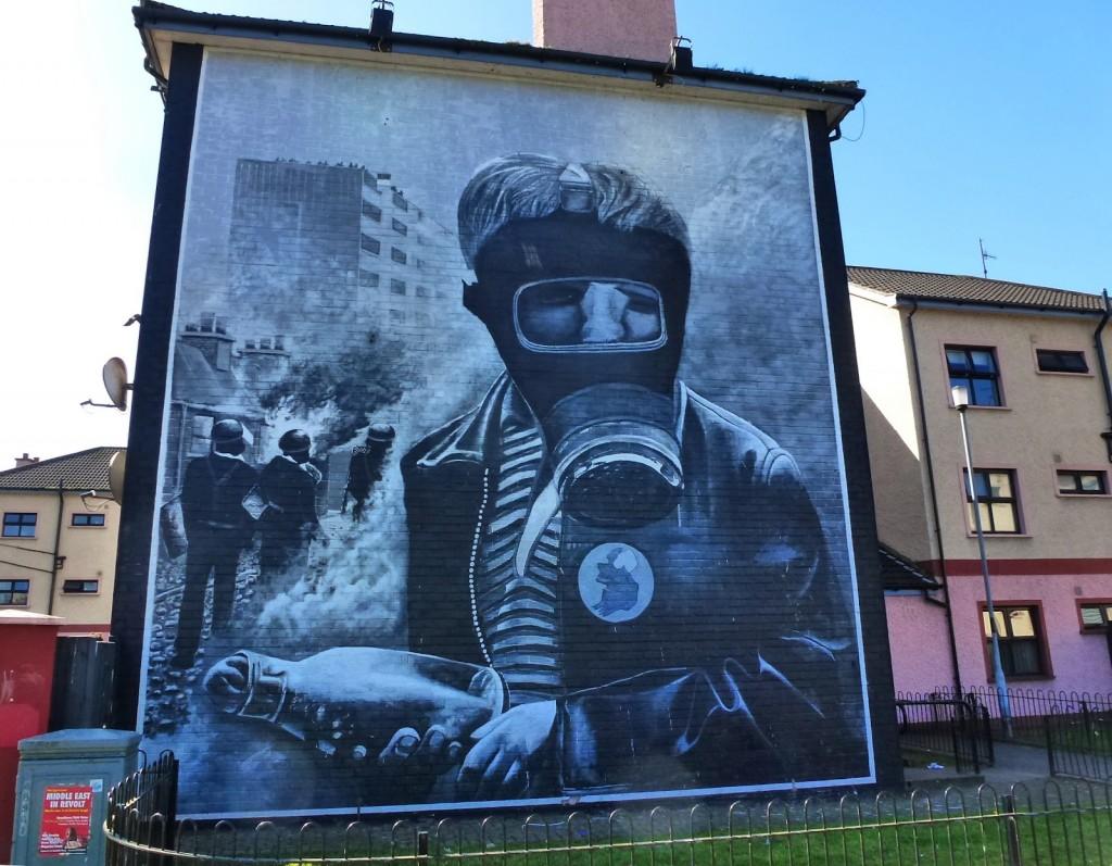 derry+murals,+petrol+bomber