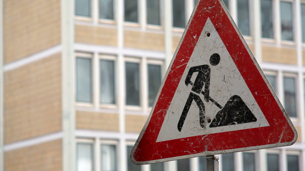 men-at-work-under-construction-road-traffic-sign_vwiwbczpl__F0000