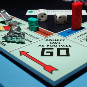 Monopoly, the commercial dividend of powerful brands